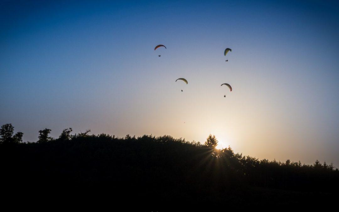 Gleitschirmfliegen in Erlau bei knapp 35 Grad